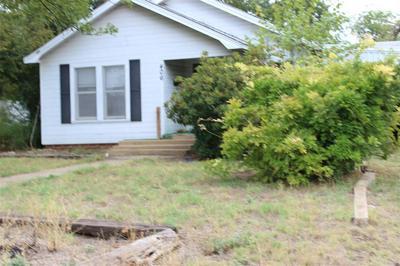 406 E 10TH ST, Coleman, TX 76834 - Photo 2