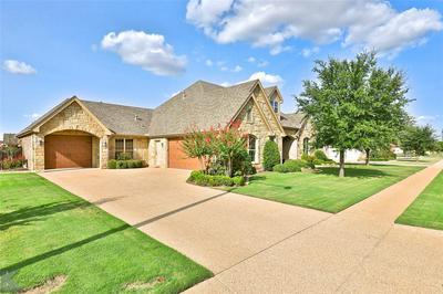 2326 LYNBROOK DR, Abilene, TX 79606 - Photo 2