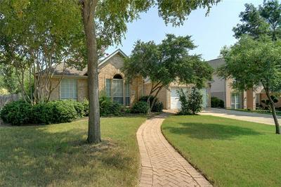 2802 SOUTHWOOD CT, GRAPEVINE, TX 76051 - Photo 1