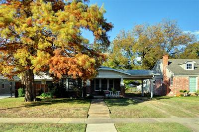 2525 MARIGOLD AVE, Fort Worth, TX 76111 - Photo 2
