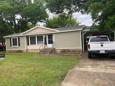 300 E MAIN ST, Quinlan, TX 75474 - Photo 2