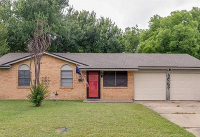 802 BROADWAY AVE, Euless, TX 76040 - Photo 1
