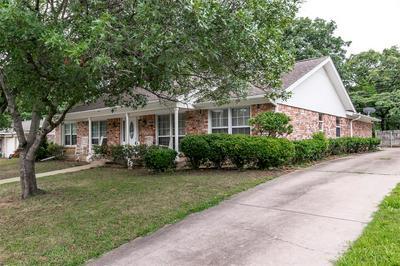 829 OVERHILL DR, Hurst, TX 76053 - Photo 2