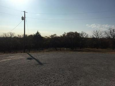 1169 BLUFFS AVE, Bowie, TX 76230 - Photo 2