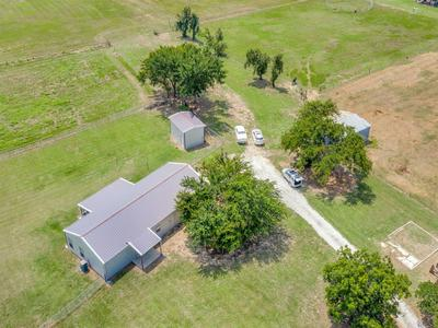 433 FRUITLAND RD, Bowie, TX 76230 - Photo 1