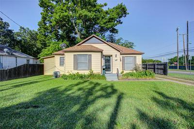 1826 N WHARTON ST, Sherman, TX 75092 - Photo 1