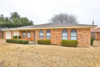 20 STONEGATE RD, Abilene, TX 79606 - Photo 1