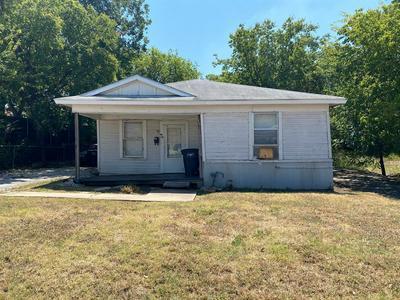 3010 AVENUE C, Fort Worth, TX 76105 - Photo 1