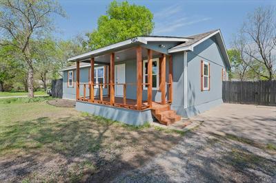 340 N LOCUST ST, Point, TX 75472 - Photo 2