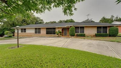 6001 YOLANDA DR, Fort Worth, TX 76112 - Photo 2