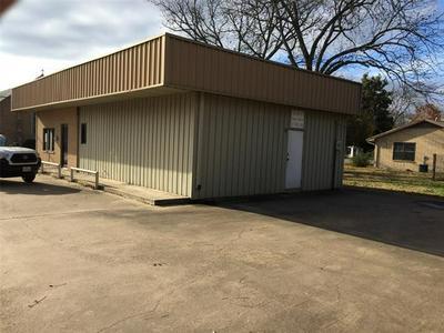 100 E HOUSTON ST, Meridian, TX 76665 - Photo 2