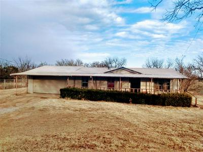 1401 N WEST ST, Bangs, TX 76823 - Photo 1