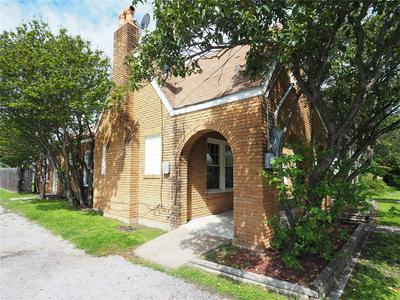 1907 4TH ST, Brownwood, TX 76801 - Photo 2