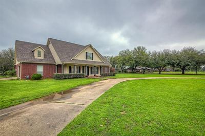 703 S HOUSTON ST, EDGEWOOD, TX 75117 - Photo 2