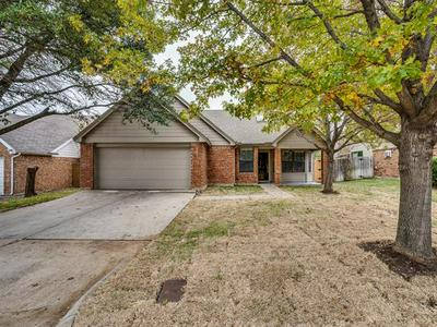 6003 IVY GLEN DR, Arlington, TX 76017 - Photo 2