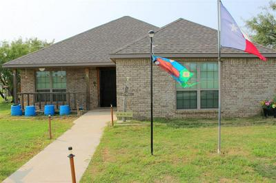 517 LENS ST, Eastland, TX 76448 - Photo 2