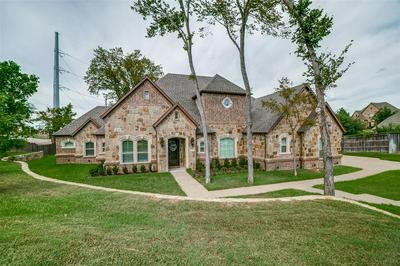 1902 PINTAIL PKWY, Euless, TX 76039 - Photo 2