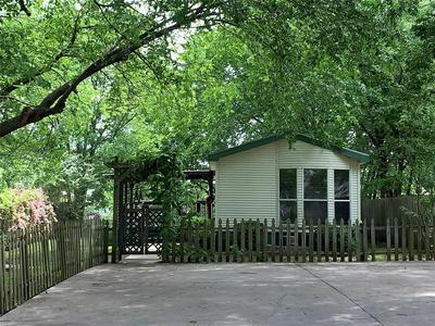 105 S JERNIGAN ST, Bells, TX 75414 - Photo 2