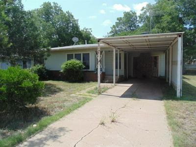 713 W 5TH ST, Coleman, TX 76834 - Photo 2