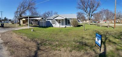 302 W TRAVIS ST, GORDON, TX 76453 - Photo 1