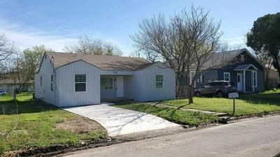 709 ELBA ST, BOWIE, TX 76230 - Photo 1