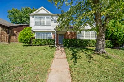 1542 CHAPMAN ST, Cedar Hill, TX 75104 - Photo 1