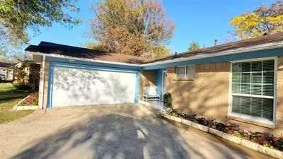 414 FALLING LEAVES DR, Duncanville, TX 75116 - Photo 1