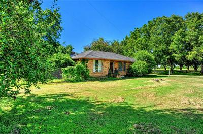 54 CEDAR MILLS RD, Gordonville, TX 76245 - Photo 2