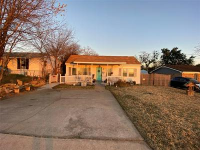 408 N MILL ST, Weatherford, TX 76086 - Photo 2