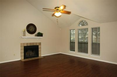 1119 ASTAIRE AVE, DUNCANVILLE, TX 75137 - Photo 2