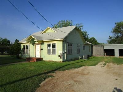 201 N HARTFORD ST, Breckenridge, TX 76424 - Photo 2