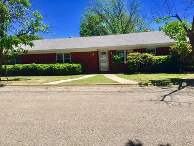 401 DALLAS ST, Coleman, TX 76834 - Photo 2