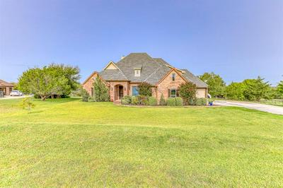619 SANDWOOD CT, Weatherford, TX 76085 - Photo 2