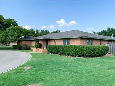 2501 STEPHENS ST, Vernon, TX 76384 - Photo 2