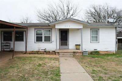 908 W 1ST ST, COLEMAN, TX 76834 - Photo 1