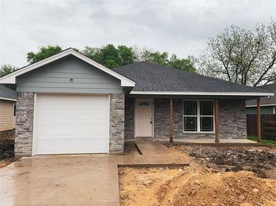 446 CHASE AVE, Cleburne, TX 76031 - Photo 1