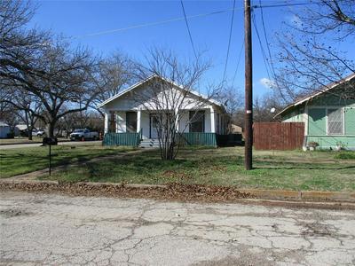 300 N DIXIE ST, Eastland, TX 76448 - Photo 1