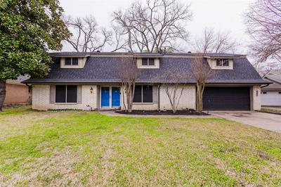 501 WESTCLIFF DR, EULESS, TX 76040 - Photo 1