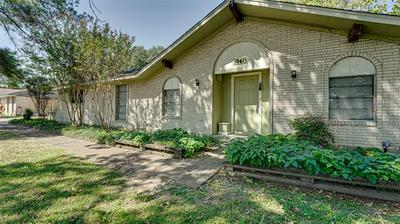 1061 OAK LN, Oak Ridge, TX 75161 - Photo 1