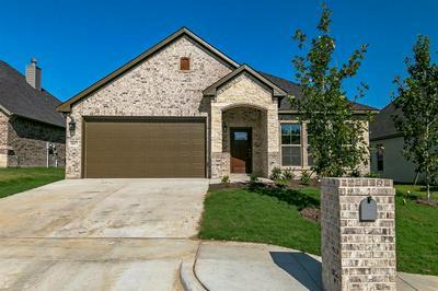 1617 TOWN CREEK CIR, Weatherford, TX 76086 - Photo 2
