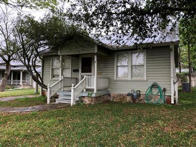 204 N REAGAN ST, HAMILTON, TX 76531 - Photo 2