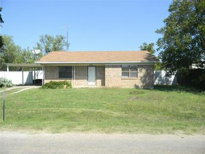 902 TANGLEWOOD DR, Clyde, TX 79510 - Photo 1