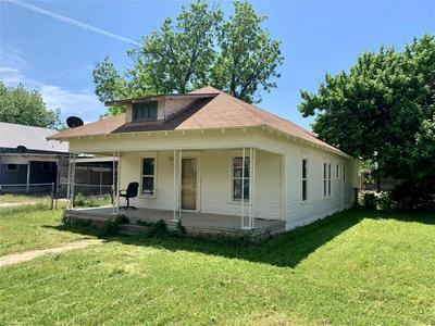 207 N FOLEY ST, Seymour, TX 76380 - Photo 1