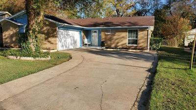 414 FALLING LEAVES DR, Duncanville, TX 75116 - Photo 2