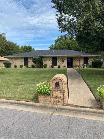 10405 OAK CREEK DR, Greenville, TX 75402 - Photo 1