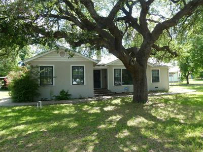 601 W 17TH ST, Brady, TX 76825 - Photo 1