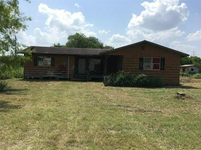 603 SAINT JAMES AVE, Pleasanton, TX 78008 - Photo 1
