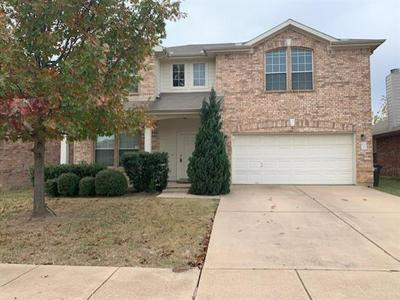 8508 PRAIRIE WIND TRL, Fort Worth, TX 76134 - Photo 1