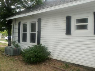 704 N CHURCH ST, Decatur, TX 76234 - Photo 2