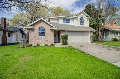 305 VIRGINIA AVE, WAXAHACHIE, TX 75165 - Photo 1